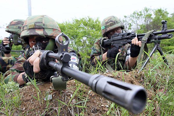 韓國士兵在參加軍事演習。(AFP)