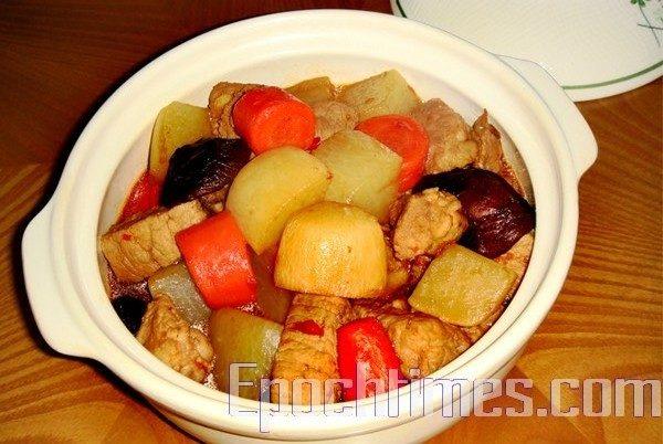 双萝卜炖肉(林秀霞/大纪元)