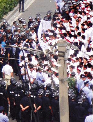 【新紀元】中國罷工潮 社會劇變的催化劑