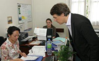 法国会议员兼区长看巴黎华人治安诉求