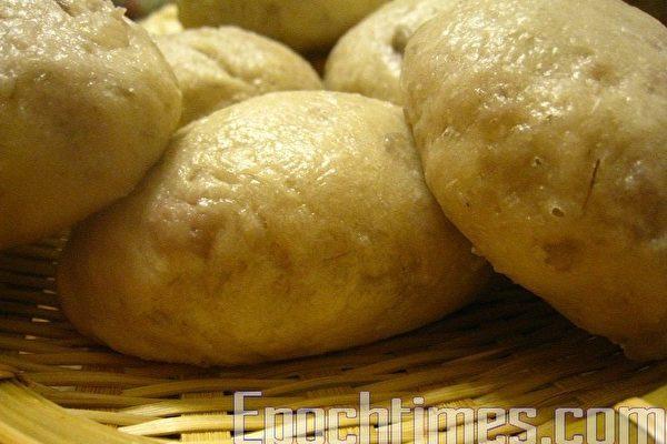 自製饅頭營養滿點。(攝影:楊美琴/大紀元)