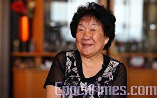 """著名舞蹈家和编舞家朱絜在中港两地有着超卓的成就。她强调中国古典舞重内涵,祝贺新唐人举办的""""全世界中国舞舞蹈大赛""""年年成功。(摄影:潘在殊/大纪元)"""