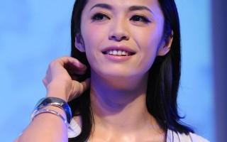 姚晨后悔曝刘烨太太怀孕 称与其接吻像打拳击