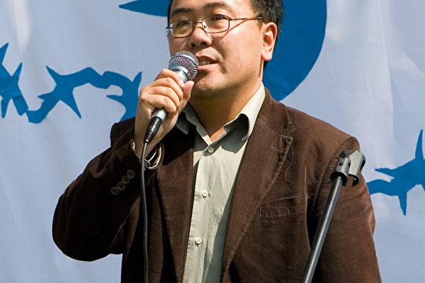 活跃在洛杉矶的民运人士郑存柱,于美西时间11月12日搭乘中国南方航空班机前往广州,两天来家人无法联络到他,担心他已被拘押。(大纪元)