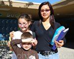 冯天明和两个孩子:女儿冯晓心(Cassidy),儿子冯佰霖(Bryan)。(摄影:董婉如/大纪元)