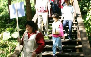 阿里山国家风景区管理处在奋起湖老街举办的第二场创意步道体验'蒸蒸日上奋起湖'活动。  (阿管处提供)