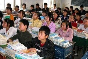 """上海学生考""""世界第一"""" PK中学生留学热"""
