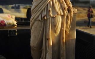 以色列暴风雨 意外带来罗马雕像