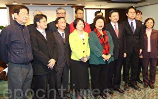 22日,高雄市长陈菊宣布另一波高市府人事内阁,由新任局处首长与媒体会面。(摄影:李曜宇╱大纪元)