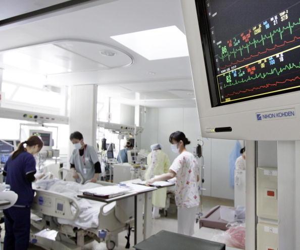 """将日本高超的医疗技术、完善的服务和海外不断增加的医疗需求相结合是""""医疗滞在签证""""产生的原因。图为日本一家医院的医护病房(YOSHIKAZU TSUNO/AFP/Getty Images)"""