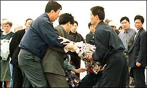 熱愛中華傳統文化 遭中共迫害身陷囹圄