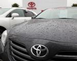 美国丰田汽车公司宣布召回230辆最新型号的丰田汽车,以修护一个会导致油门卡住的问题。图为加利福尼亚州圣拉斐尔丰田展示的新型佳美汽车。(Getty Images)