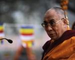 2010年,达赖喇嘛办公室发表声明,两名特别代表将前往中国,同中共领导人的代表举行新一轮会谈。图为达赖喇嘛1月10日参加一次佛教活动。(Getty Images)