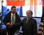 2011年3月18日,上海著名民主人士李國濤(右)抵美,之後與友人相聚。(照片由李國濤提供)