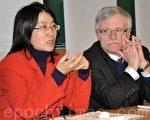 渥太华大学客座教授、中国著名人权活动家侯文卓女士(左)日前接受大纪元记者采访时谈到了自己对海外华人归国、出境权被剥夺的看法。她认为这种人权迫害的根结在于中共的一党专制。(大纪元资料)