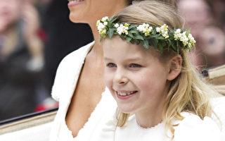 组图:王室婚礼伴娘皮帕表现亮眼