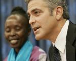 乔治‧可龙尼在联合国发表演说,关注达佛问题。((/Getty Images)