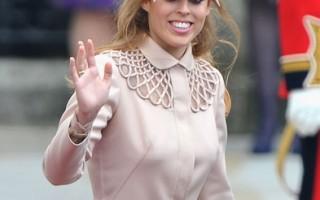 英国碧翠丝公主在威廉王子的婚礼上戴的怪帽子要拍卖做公益。 (图片来源:Pascal Le Segretain/Getty Images)