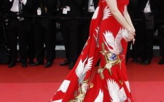 組圖:戛納電影節開幕  范冰冰仙鶴裙紅毯飛揚