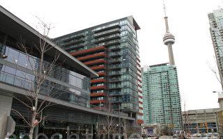 图:多伦多公寓热销的势头,令人担心多伦多是否真的能承受起这么多公寓?(摄影:穆枫/大纪元)