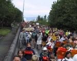 三千民眾在江澤民訪問冰島期間示威抗議對法輪功學員的不公正待遇。