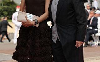 女星杨紫琼(Michelle Yeoh)与未婚夫—法拉利车队前执行官托德(Jean Todt)携手现身摩纳哥王室婚礼。(图/Getty Images)