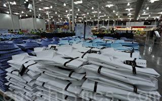 美国第一大会员制连锁仓储式超市好市多(COSTCO Wholesale)在悉尼筹建完毕,将于2011年7月21日在澳洲的最大城市悉尼正式开业。图为好市多的成衣售卖区。(摄影:夏清/大纪元)