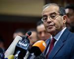 2011年9月11日,利比亚国家过渡委员会马哈茂德贾布里勒(Mahmud Jibril)表示,临时政府将在10天内成立。(图片来源:LEON NEAL/AFP)