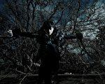 宥勝寫真化身黯黑騎士!(圖/凱特文化提供)