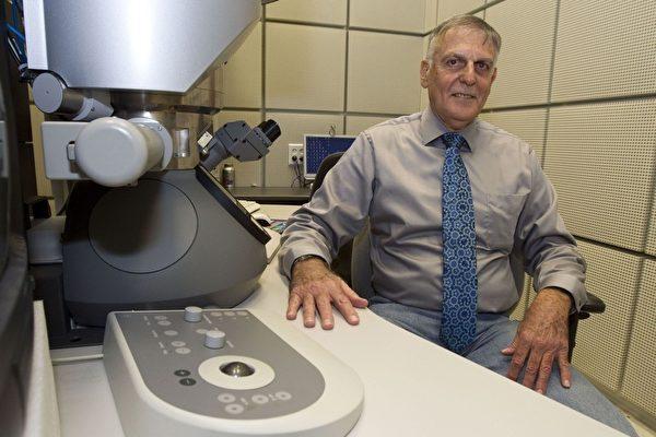 10月5日,以色列科學家夏契曼(Daniel Shechtman)因發現「準晶體」(quasicrystal)的貢獻,獲得2011年諾貝爾化學獎。(AFP PHOTO/JACK GUEZ)