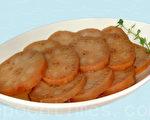 香甜绵蜜的蜜汁莲藕营养好吃,可当正餐或点心来吃 (摄影: 林秀霞 / 大纪元)