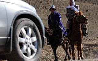 22日,牧民试图保护草场,被运送石油的卡车撞死。当局为免事情闹大,火速采取控制及禁声。(大纪元资料室)