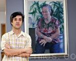 """第三届""""全世界华人人物写实油画大赛""""11月28日即将在纽约颁奖,香港资深画家林超展赞赏大赛发扬传统,表示大力支持。(摄影:潘在殊/大纪元)"""