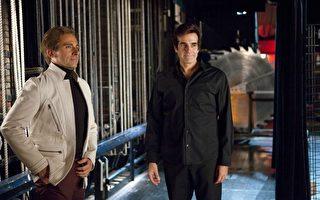 大卫‧考柏菲(David Copperfield,图右)。(图/华纳兄弟提供)