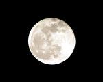 李朴的一首表面写中秋之月,细品又暗透玄机,竟契合当今天象。(摄影:Fotolia)