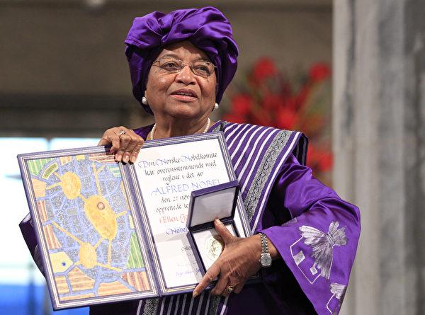 今年的諾貝爾和平獎三位得主之一,利比里亞女總統瑟利夫(Ellen Johnson Sirleaf)(CORNELIUS POPPE/AFP ImageForum)