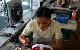 衛報:聖誕節玩具的代價 直擊中國血汗工廠