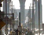 民众徒步走过布鲁克林桥(Getty Images)