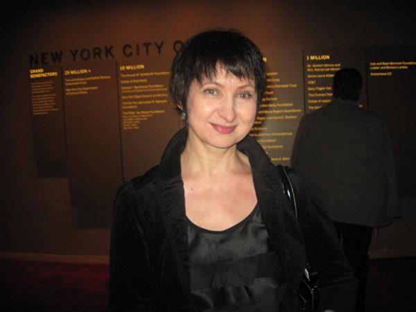舞蹈教師艾斯坦法娃(Yelena Astafyeva)在2012年1月12日林肯中心神韻晚會上(攝影:Joshua Philipp/大紀元)