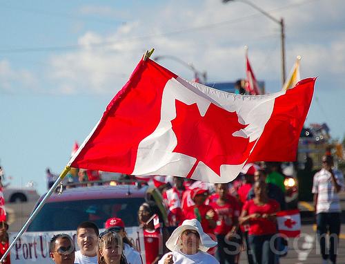 经温哥华转飞美国 中国旅客将免签证