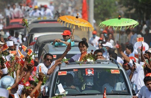 緬甸選舉正式開跑 昂山造勢萬人空巷