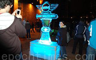 一年一度的点亮耶鲁镇(Illuminate Yaletown),用奇幻的灯光点缀著此社区,吸引著许多旅客。(摄影:邱晨/大纪元)