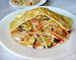 """""""合菜戴帽""""是北京有名的佳肴,又称为""""金银满堂""""。(摄影:林秀霞 / 大纪元)"""