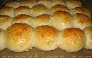 丹麦小面包和可可奶