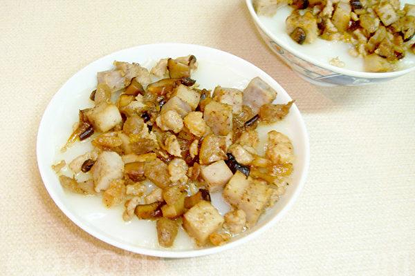 香Q滑嫩的碗粿充满古早的人情味!(摄影:林秀霞 / 大纪元)