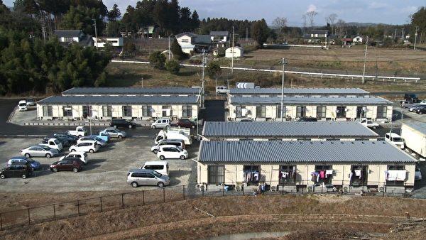 一排排的臨時住宅(俯視)(攝影:楊樹森/大紀元)