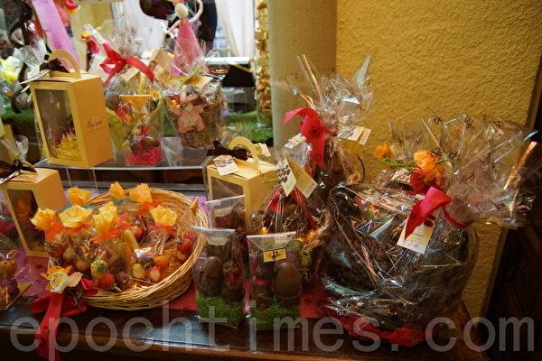 商店为顾客配好的复活节的糖果礼物 (摄影:李归燕/大纪元)