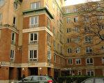 薄瓜瓜居住的麻州劍橋市高級公寓全景。該公寓擁有自己的健身房,露天陽臺可遙望查爾斯河美景。(攝影:畢儒宗∕大紀元)