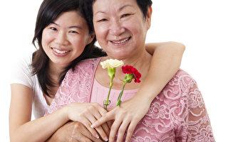 图:母亲与子女中的互相关爱并不局限在母亲节的这一天,如果互动良好,对母亲来说,每天都是节日。(FOTOLIA)