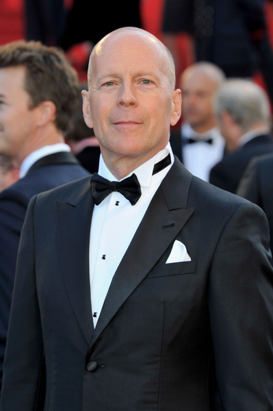 布鲁斯•威利斯(Bruce Willis)在新片中演卡維爾的老爸。(Gareth attermole/Getty Images)